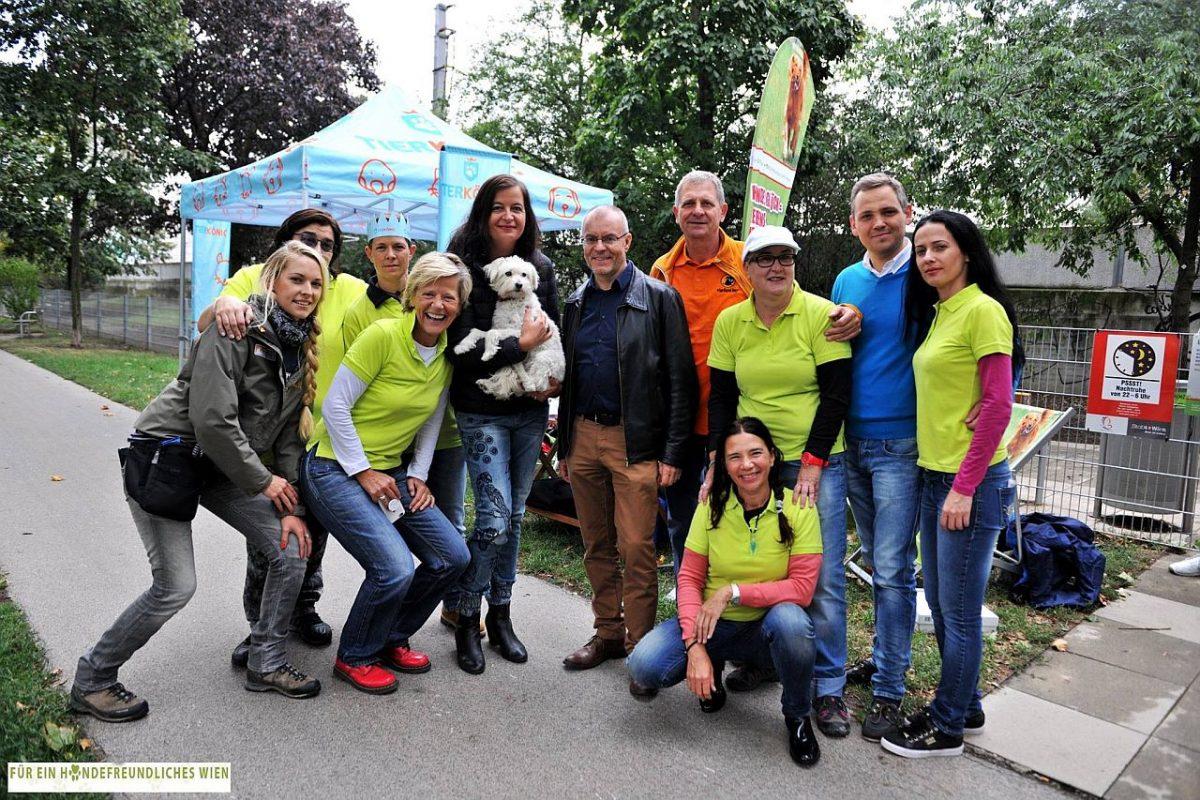 Gespräche mit Hundehaltern über Zufriedenheit mit Wiener Hundezonen